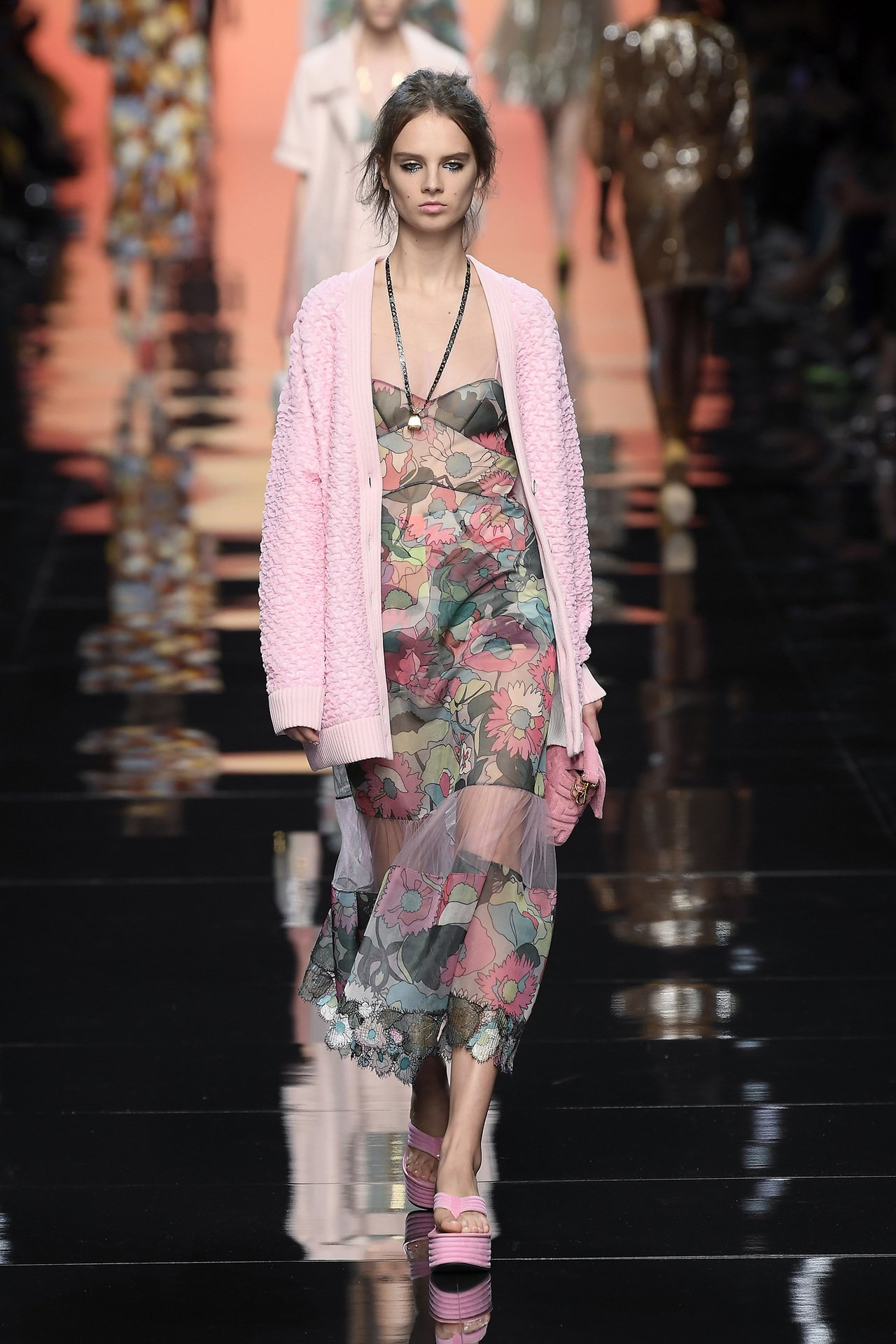Silvia Venturini Fendi透過2020春夏新裝,描繪舒適的義大...