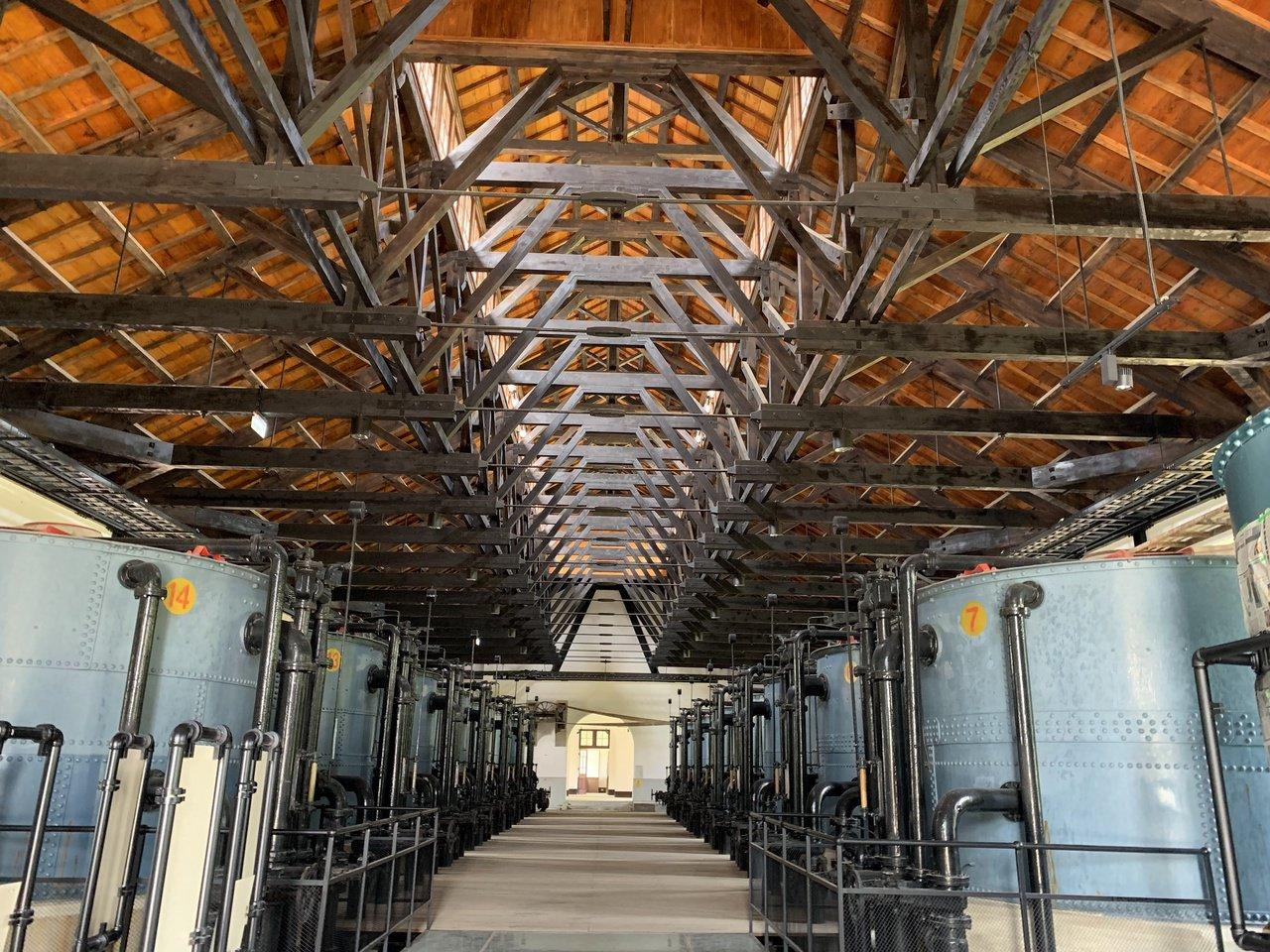 台南山上花園水道博物館整修完成,快濾筒室獲日本土木學會認證為世界重要土木遺產。記...