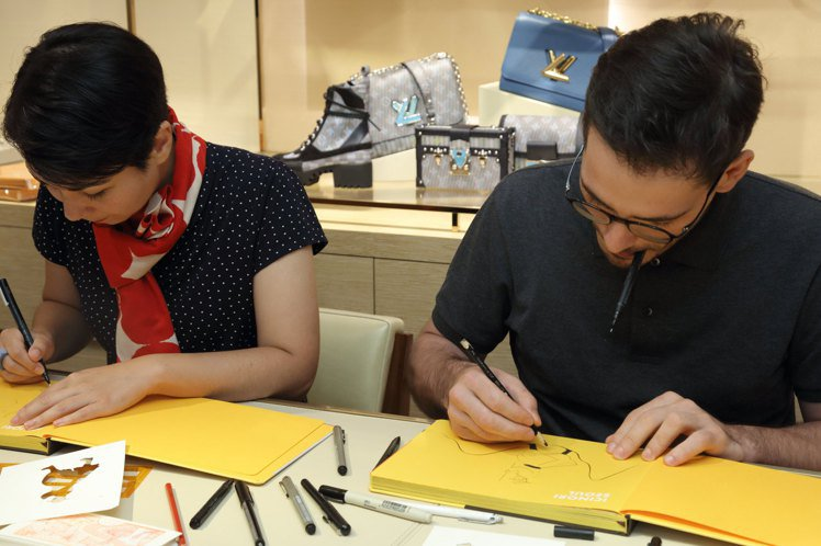 Mayumi Otero(左)與Raphaël Urwiller在路易威登店上活...