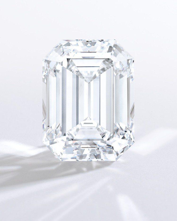 80.88克拉方形足色全美鑽石,預估拍價近4億。圖/蘇富比提供