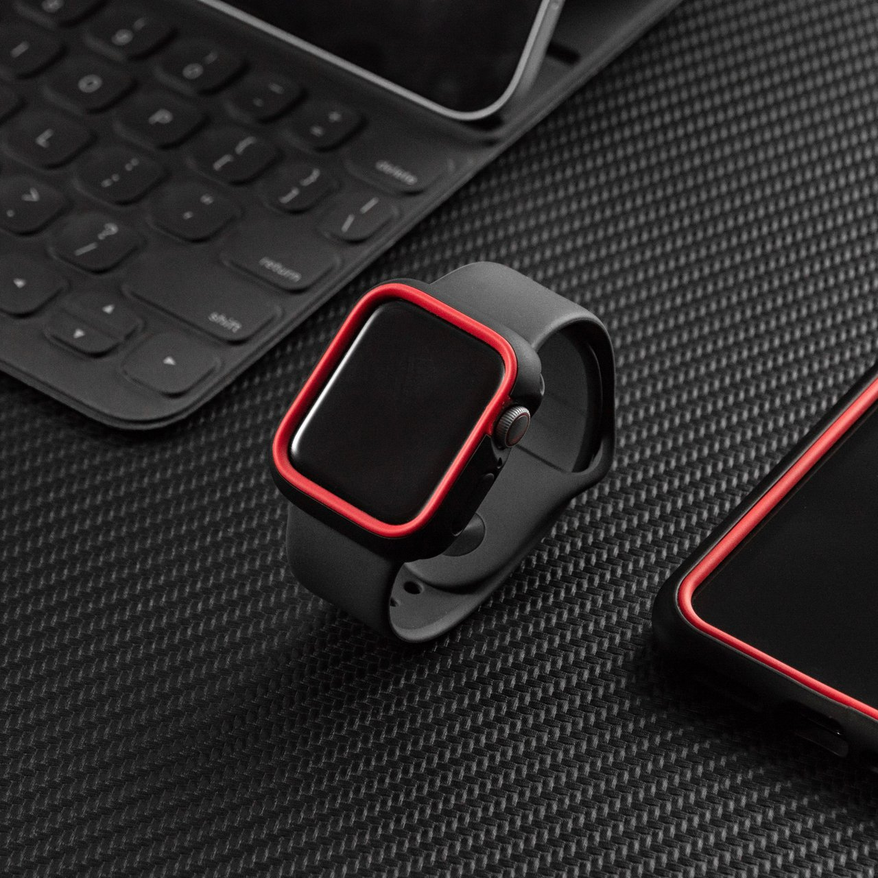 犀牛盾也推出Apple Watch防護殼,提供日常防撞保護。圖/犀牛盾提供