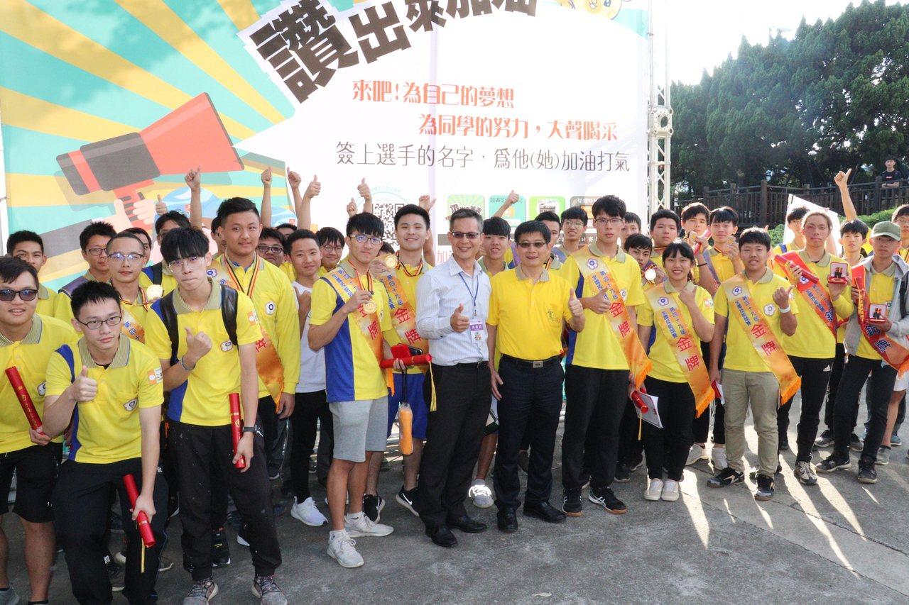 全國技能競賽,雲嘉南分署選手勇奪13金13銀10銅。圖/雲嘉南分署提供