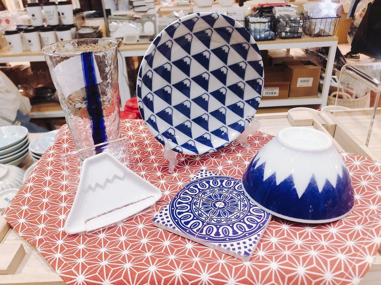 富士山系列餐具。圖/京站提供