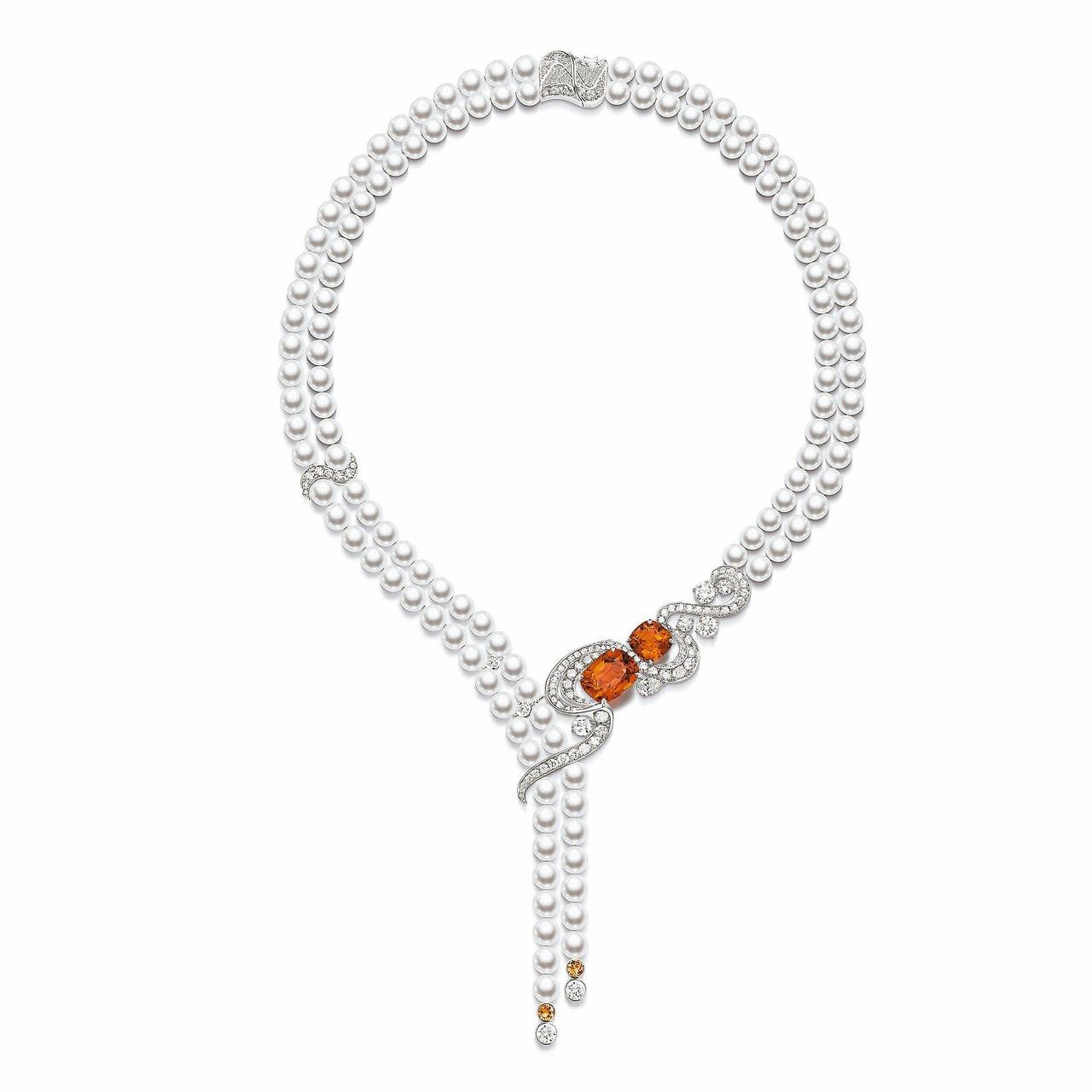 伯爵金燦綠洲系列頂級珠寶「極致魅惑」錳鋁榴石頂級珠寶珍珠項鍊,595萬元。 圖/...