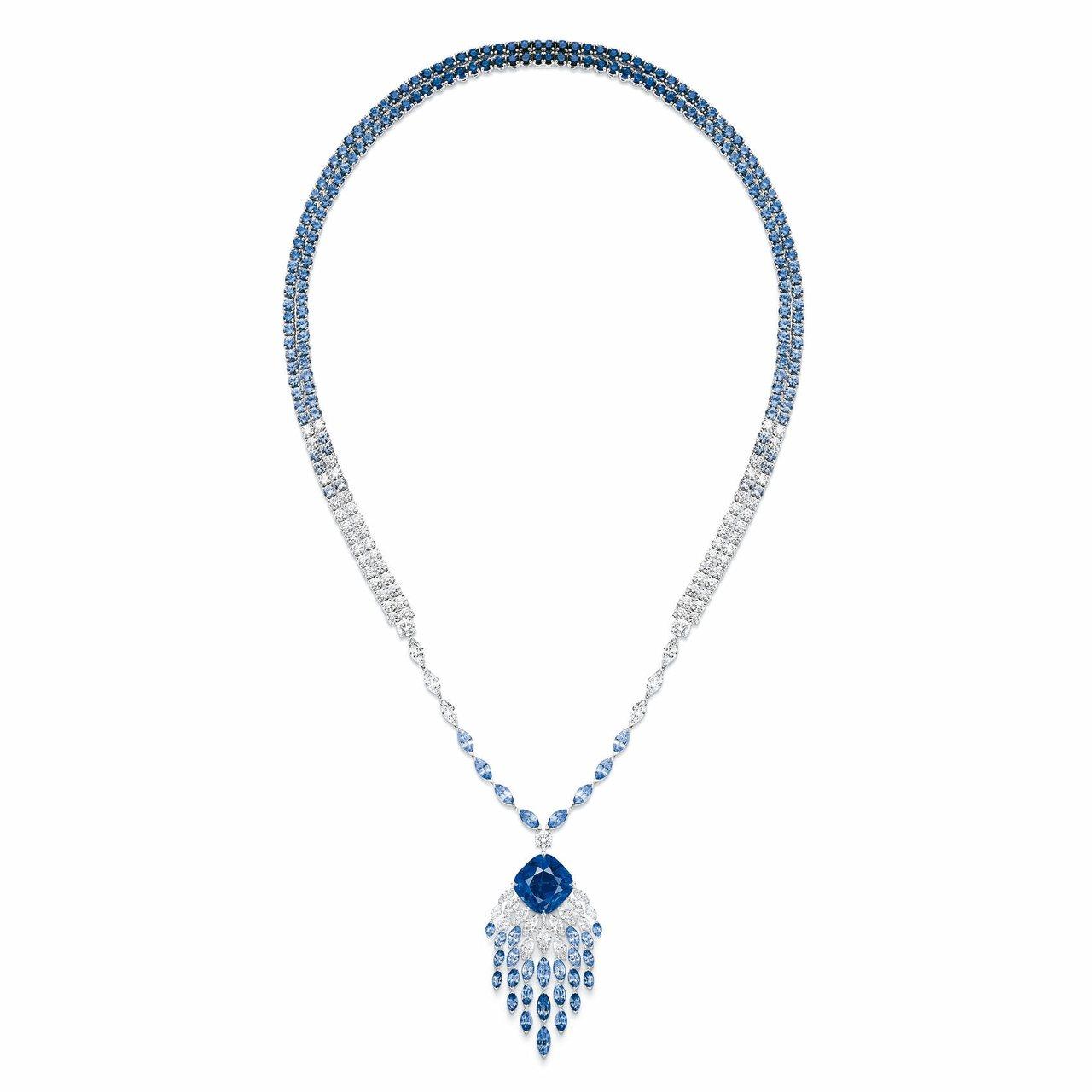 伯爵金燦綠洲系列頂級珠寶「湛藍瀑布」藍寶石頂級珠寶鑽石墜鍊,3,190萬元。 圖...