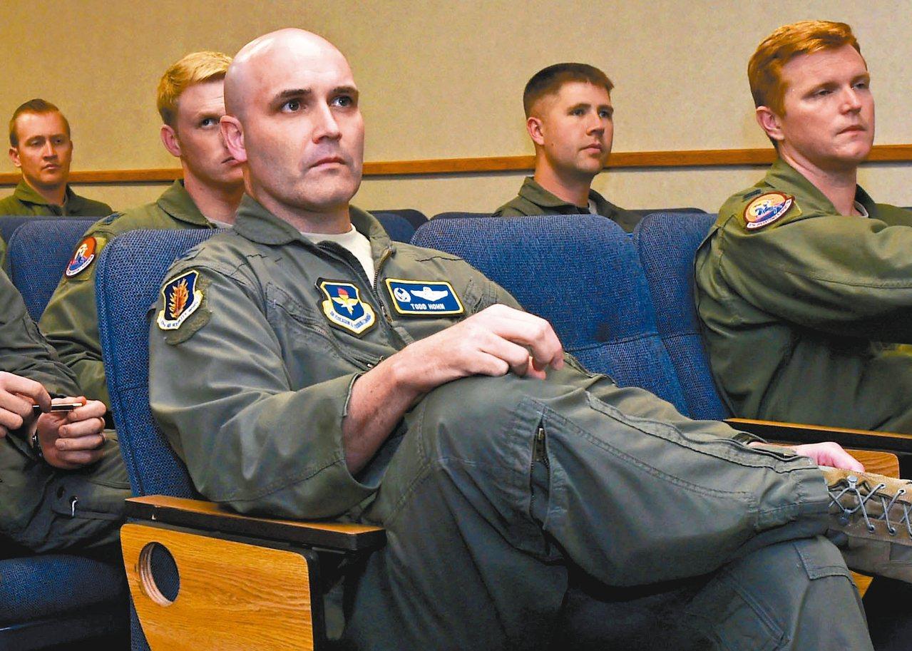 托德•霍恩曾為美國空軍飛行員。(美聯社)