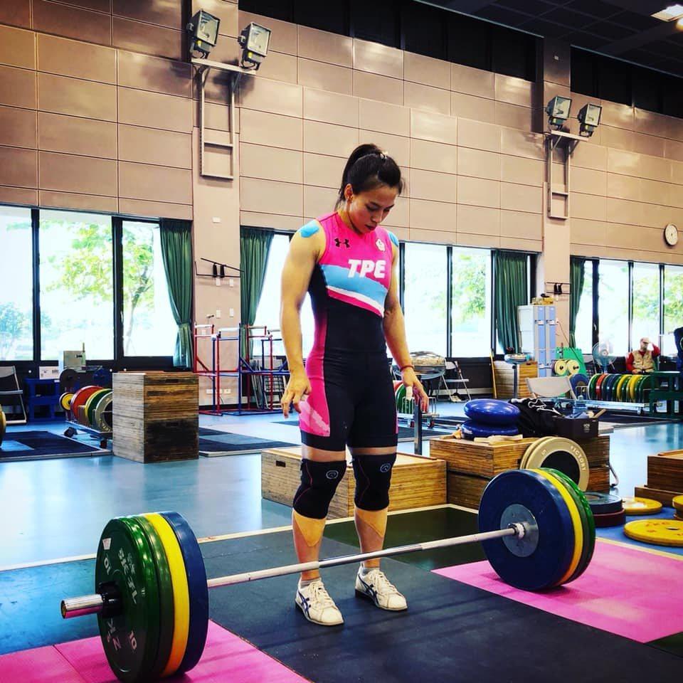 我國舉重女將郭婞淳,21日出賽芭達雅舉重世錦賽女子59公斤級,挺舉、總和246公...