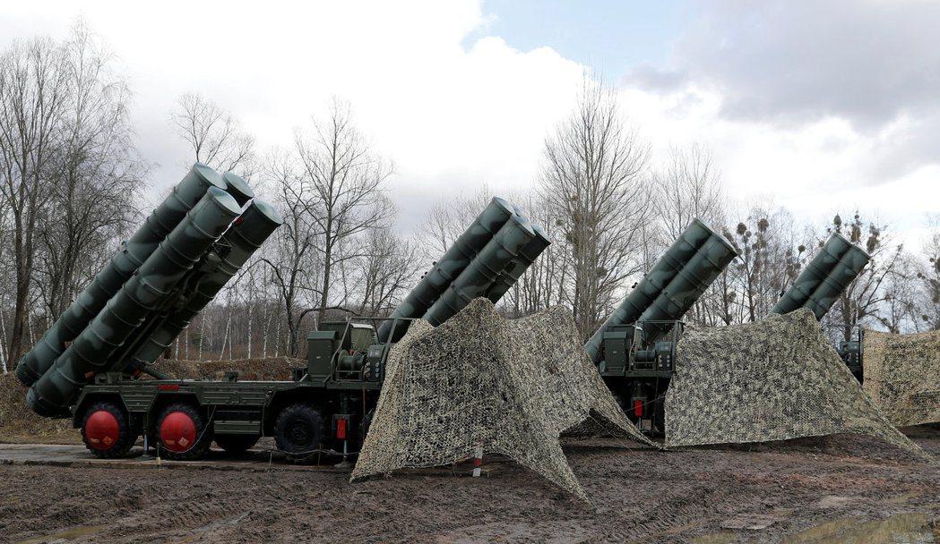 俄國加里寧格勒市部署的俄製S-400防空系統。 (路透)