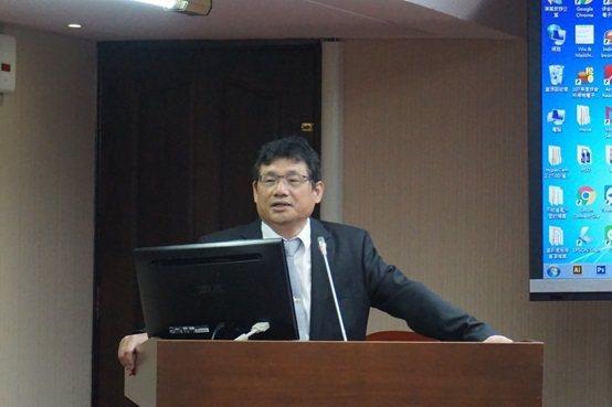 中華民國牙醫師公會全國聯合公會公共關係組主委江錫仁醫師。 楊連基/攝影