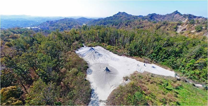 高雄市農業局最近新規畫一條「惡地秘境體驗」行程,介紹高雄的泥岩惡地,提供觀光客新...