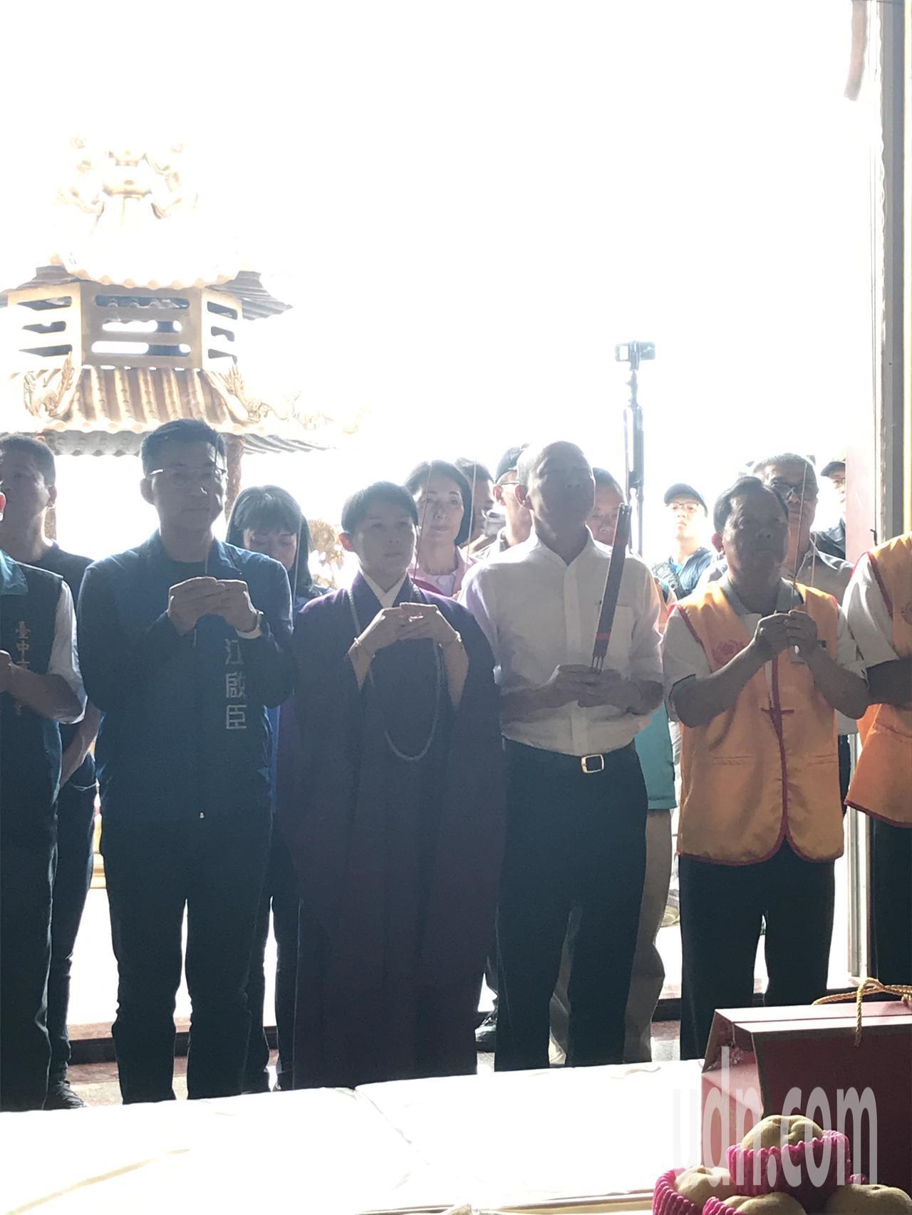 國民黨總統參選人韓國瑜到台中參拜無極混元中樞院。記者林佩均/攝影