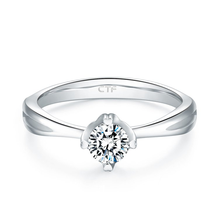 周大福經典18K白金美鑽戒指,價格店洽。圖/周大福提供