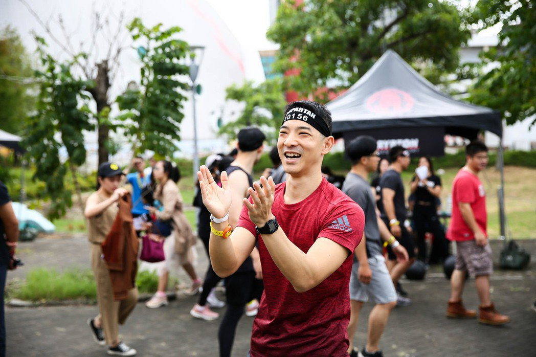 王大文化身「斯巴達野獸隊長」,2度挑戰5公里障礙跑。圖/寬魚國際、寬寬提供