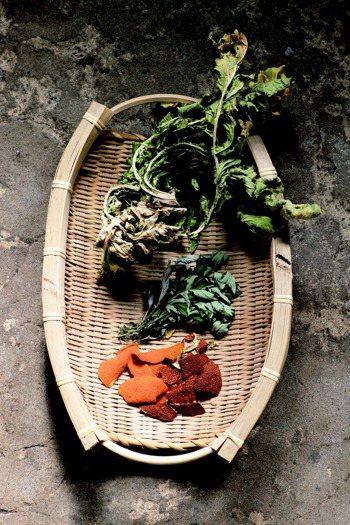 植物製入浴劑 圖╱摘自方舟出版《家的日常》