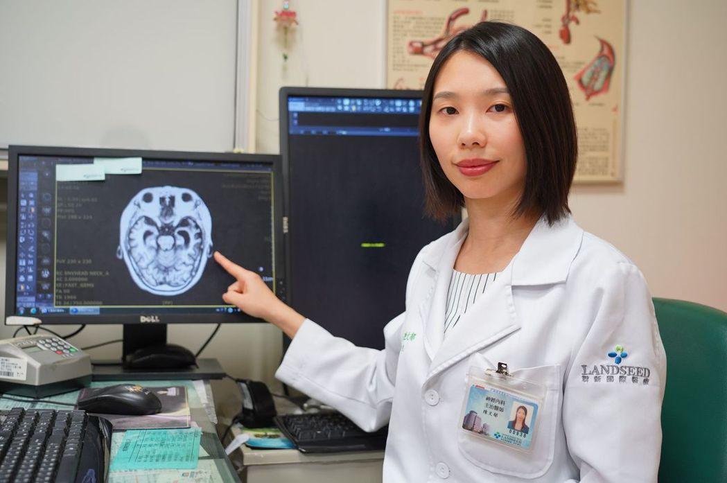 聯新國際醫院神經內科陳文郁醫師表示,額葉顳葉型失智症不是正常的老化,而是一種腦部...