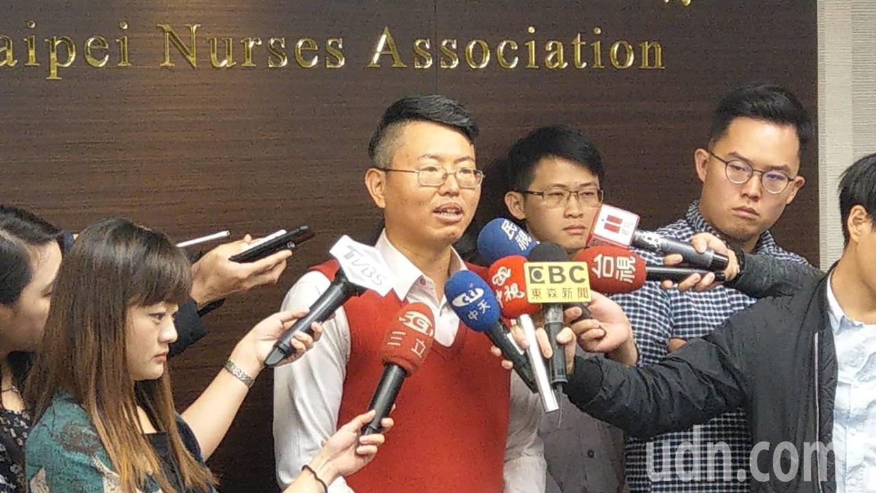 北市議員徐立信披民眾黨戰袍 今宣布參選北市立委。記者楊正海/攝影