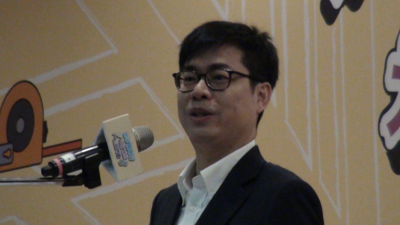 行政院副院長陳其邁今天上午參加「輔導機車行升級轉型說明會」時,針對高雄市議會決議...