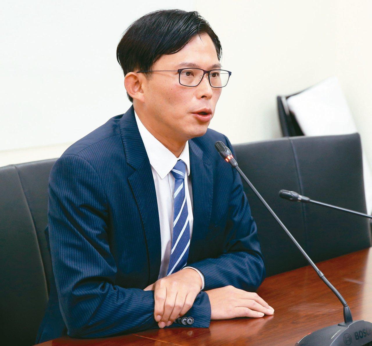 時代力量立委黃國昌質疑台北巿府包庇違建。本報資料照片