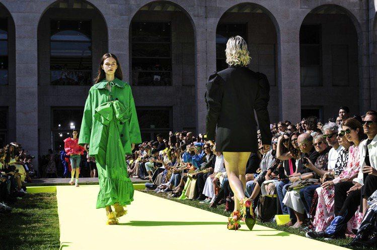 在米蘭三年博物館(Triennale di Milano)展場的陽光陪襯下,今年...
