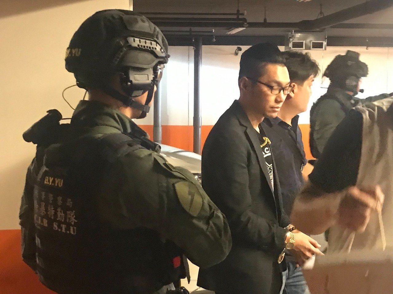 連千毅昨在新北中和,被警方逮捕。記者林保光/翻攝