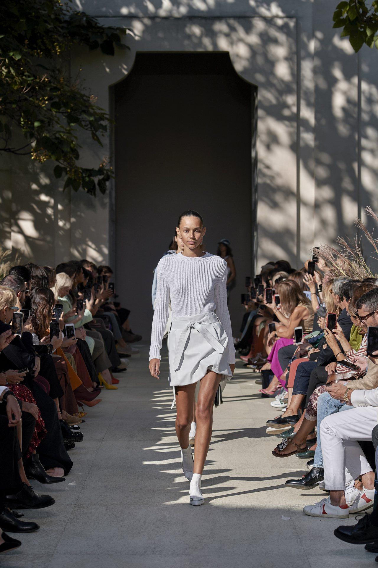 義大利時尚品牌Salvatore Ferragamo延續上季選在著名的圓形建築R...