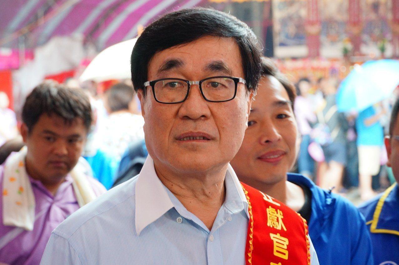 高雄市副市長李四川腸胃不適住院,李稍早表示「好多了,謝謝大家的關心」。圖/本報資...