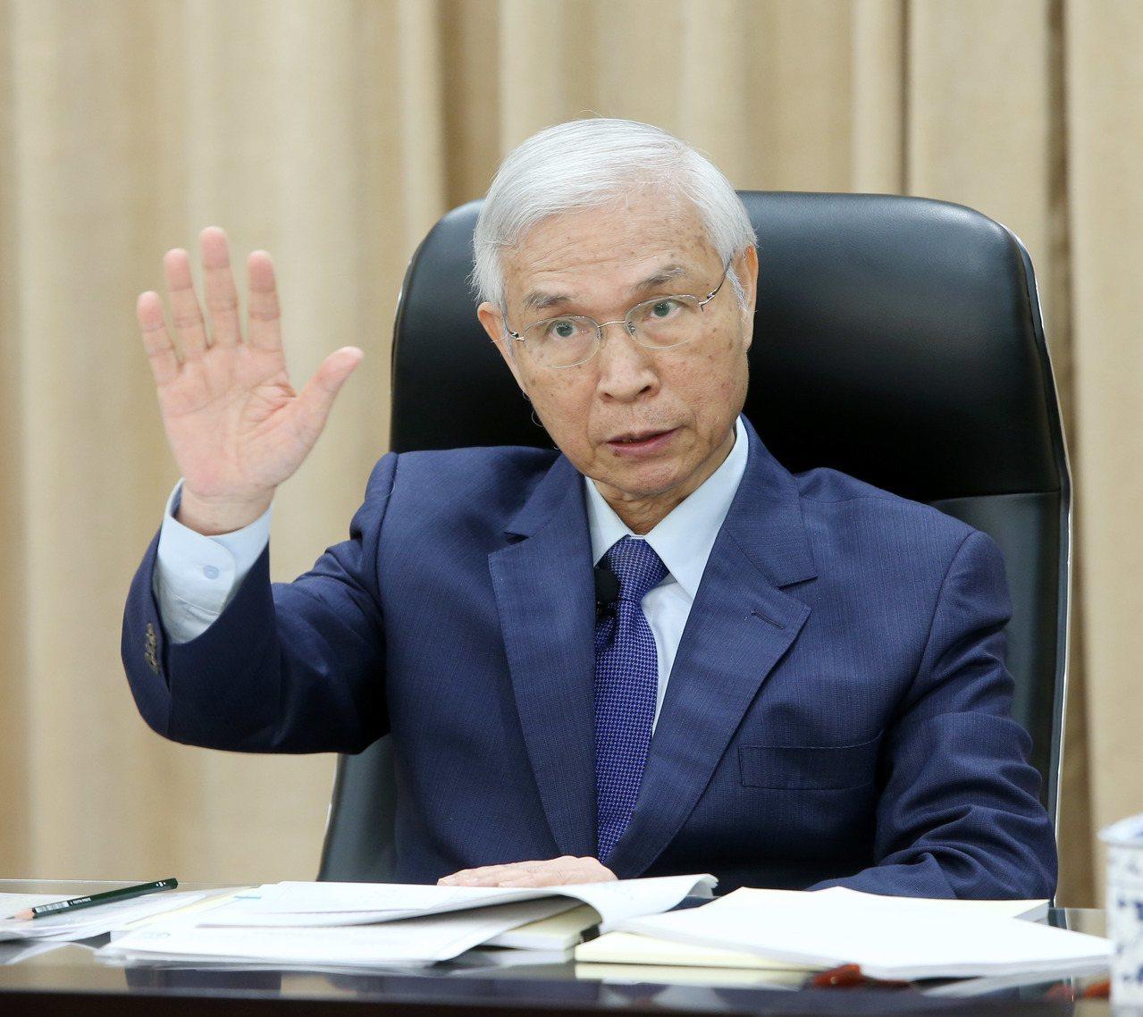 中央銀行總裁楊金龍表示,目前為止不考慮預防性降息來刺激經濟。圖/聯合報系資料照片