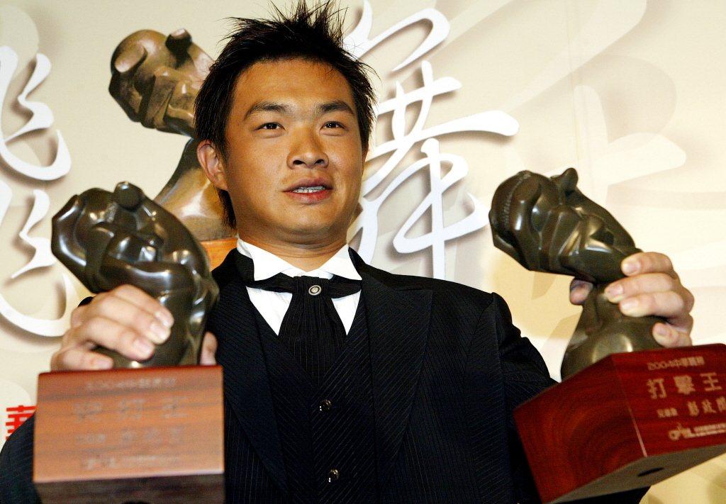 彭政閔最恐怖的紀錄無疑是生涯五次打擊王,以及中職史上唯一一次打擊王三連霸。 聯合...