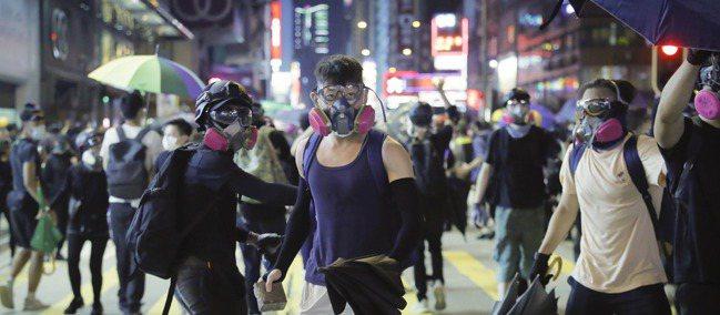 香港的抗爭活動已持續超過三個月,震撼了全世界。 圖/美聯社
