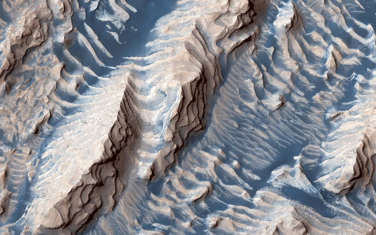 火星相片:丹尼爾森撞擊坑(Danielson Crater)位於火星的西南部。相...