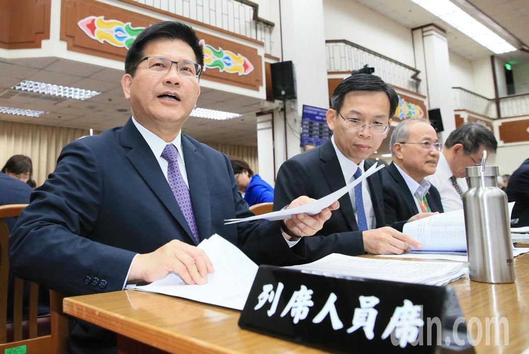 交通部長林佳龍(左)出席。記者潘俊宏/攝影
