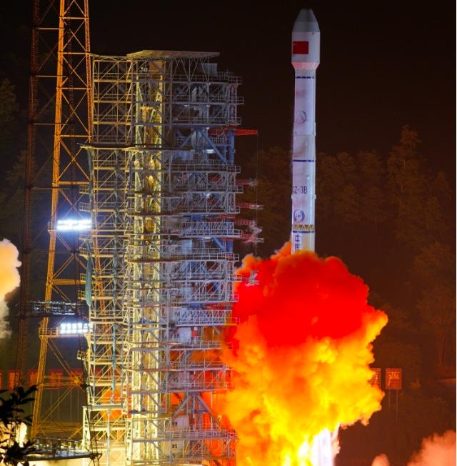 今天清晨五點,大陸以「一箭雙星」方式成功發射第四十七、四十八顆北斗導航衛星,做為...