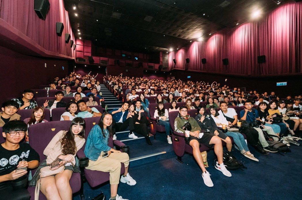 「返校」演員到戲院與影迷會面。圖/牽猴子提供
