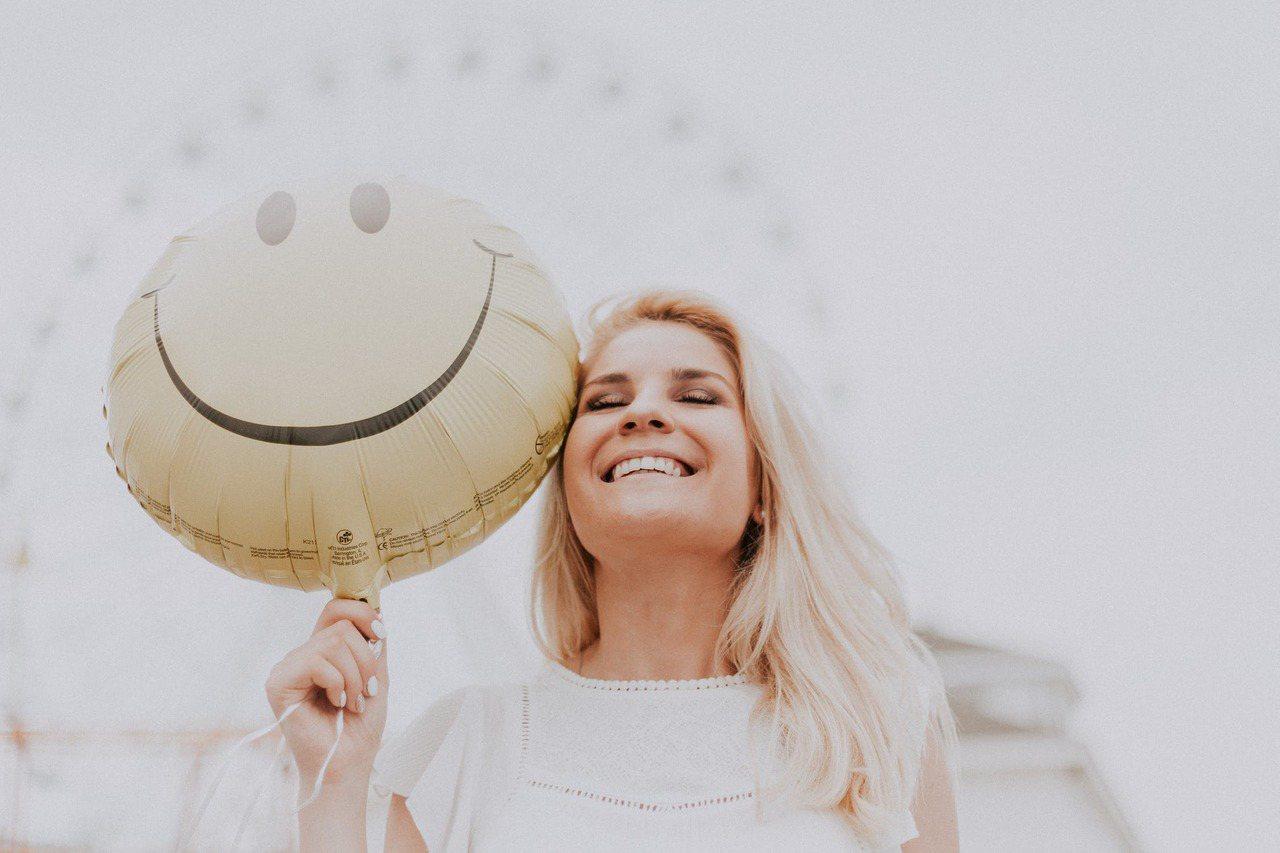 能處理好生理期的肌膚狀況,才能讓肌膚維持微笑的狀態。圖/摘自 pexels