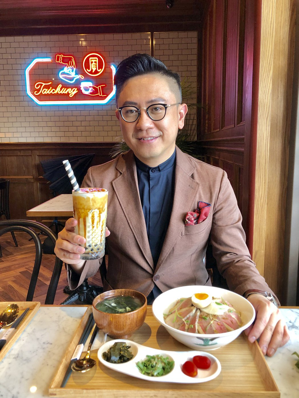 永心鳳茶執行長薛舜迪表示,取名永心鳳茶,就是表達「用心奉茶」的品牌精神,將永心鳳...