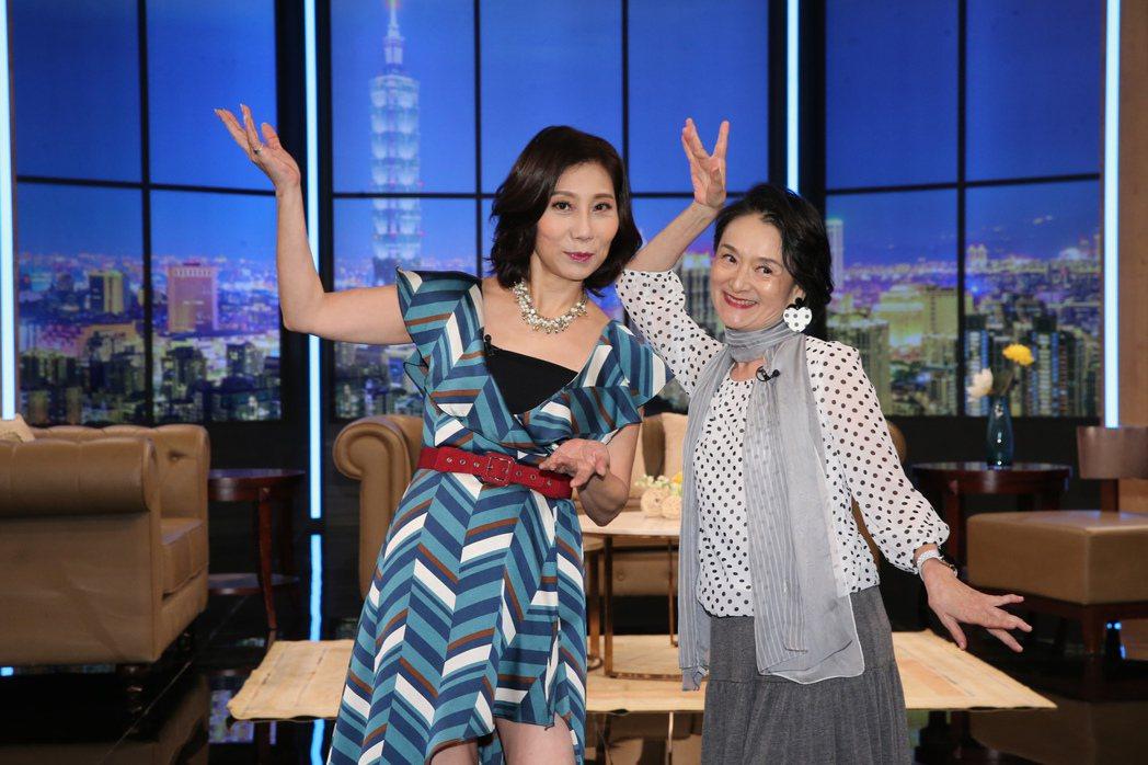郎祖筠(左)、譚艾珍(右)出席全新談話性節目《超齡實習生》開播記者會。記者徐兆玄