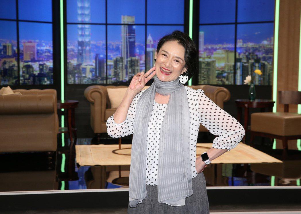 譚艾珍出席華視全新談話性節目《超齡實習生》開播記者會。記者徐兆玄/攝影