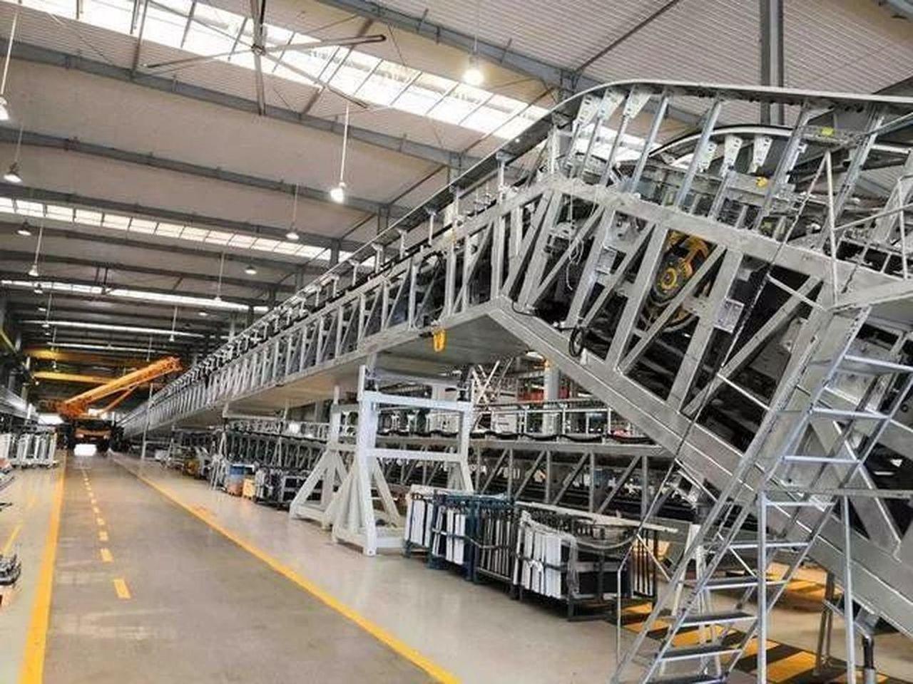 又上新了國內最長高鐵扶梯下線 (取材自微博)