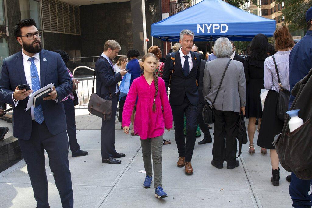 瑞典16歲環保少女桑柏格通過安全站。 美聯社