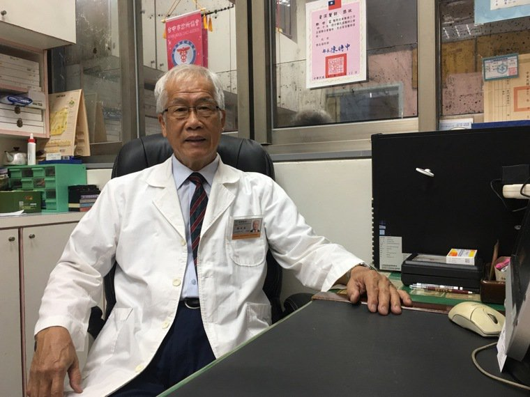 台灣順勢醫學會前理事長鄭世富表示,順勢醫學是以同治同的概念,可以讓民眾多一種選擇...