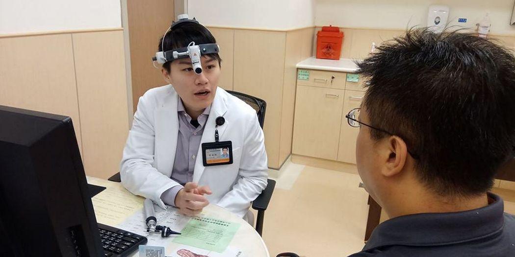 安南醫院鼻喉科醫師劉金瑞說,有民眾一起床就有打噴嚏、眼睛癢、鼻子癢、流鼻水及鼻塞...