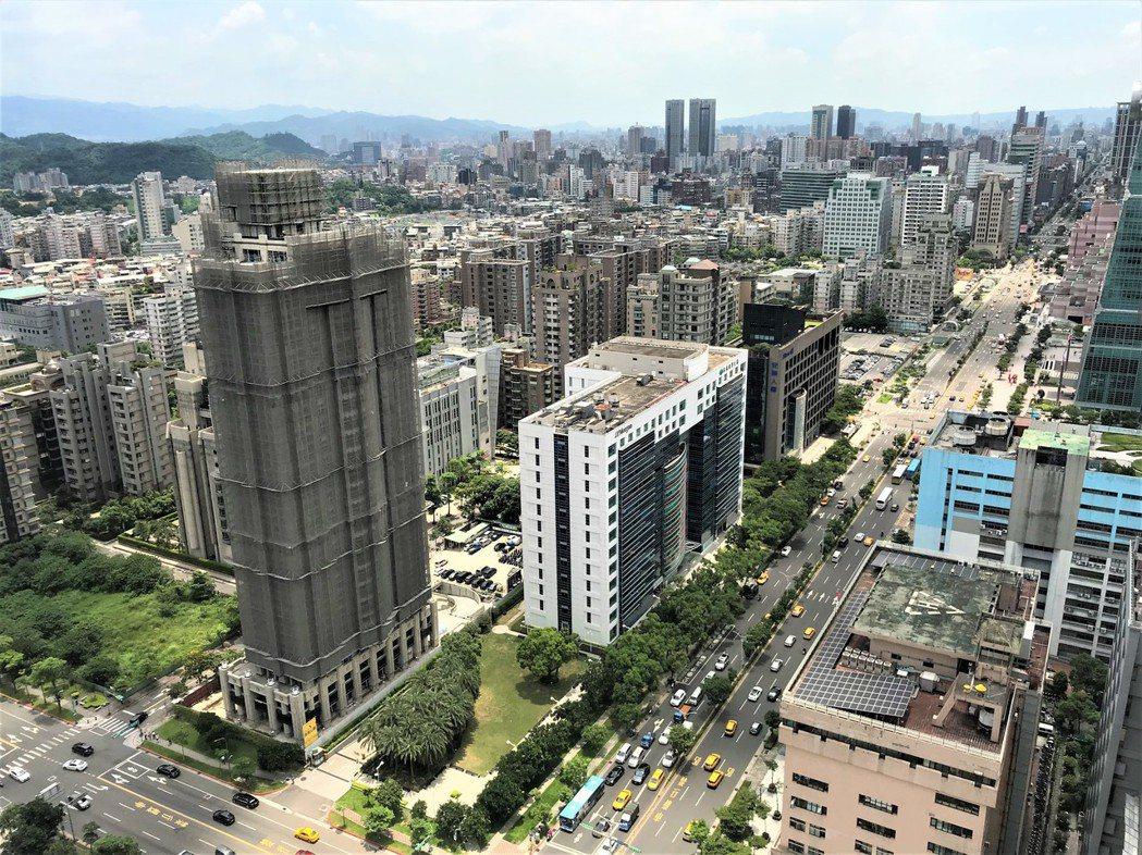 房市回暖,北市各區建案開價普遍回漲,但中正區、松山區例外。記者游智文/攝影