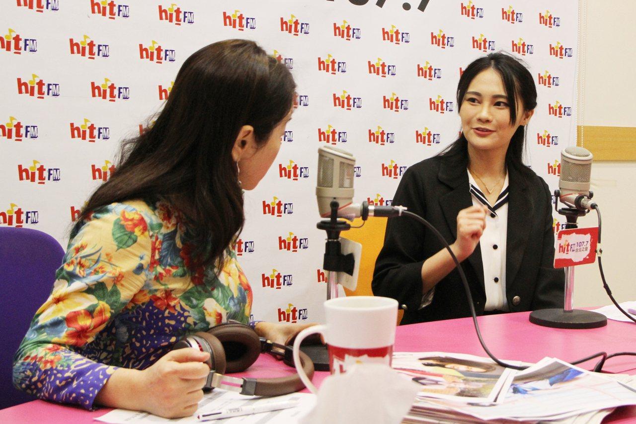 賴品妤(右)接受廣播節目「周玉蔻嗆新聞」專訪時表示,七星區這場選戰是「台灣年輕人...