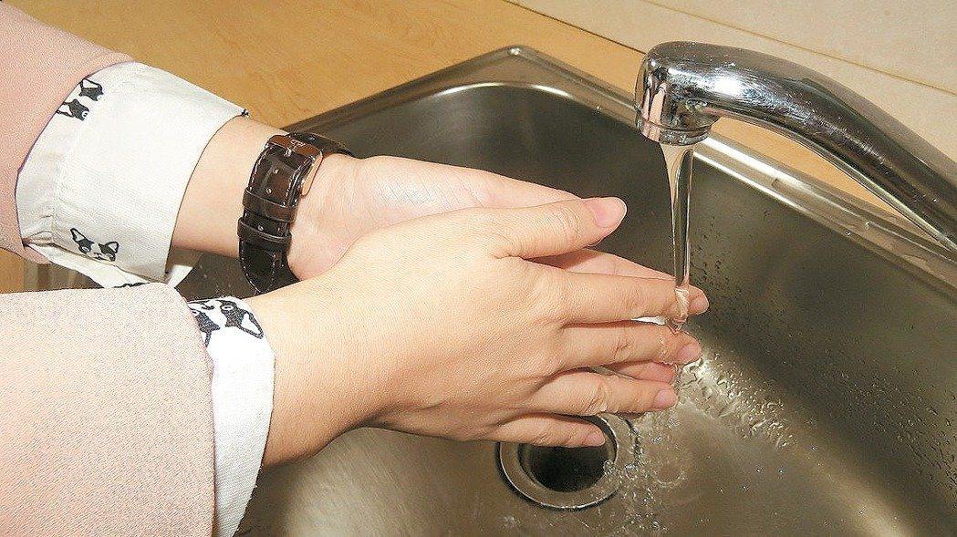 落實正確洗手,可預防腸病毒。圖/本報資料照片