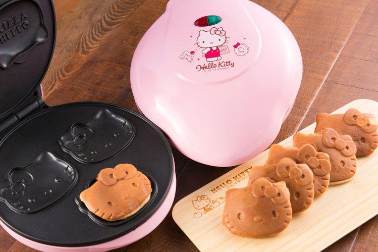生活工場周年慶「Hello Kitty專區」主打Hello Kitty造型蛋糕機...