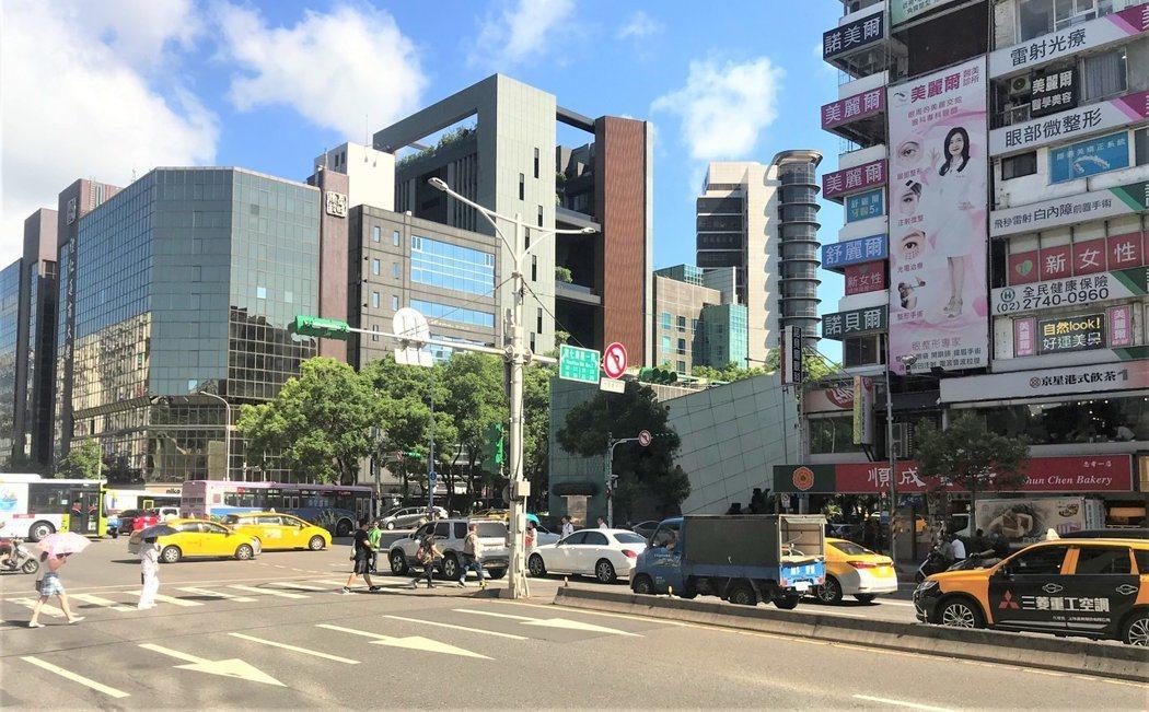 北市「中山區」黃金店面交易熱度高。記者游智文/攝影