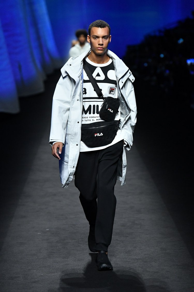 FILA再次大膽挑戰運動與時尚的分界線,打造將二者完美融合的最新力作。圖/FIL...