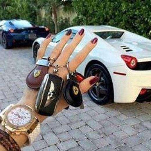 各種豪車鑰匙是炫富者最愛展示的照片之一。 圖/取自百度圖片