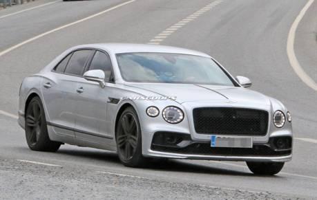 2020 Bentley Flying Spur Speed道路測試中 車尾竟有突破性亮點