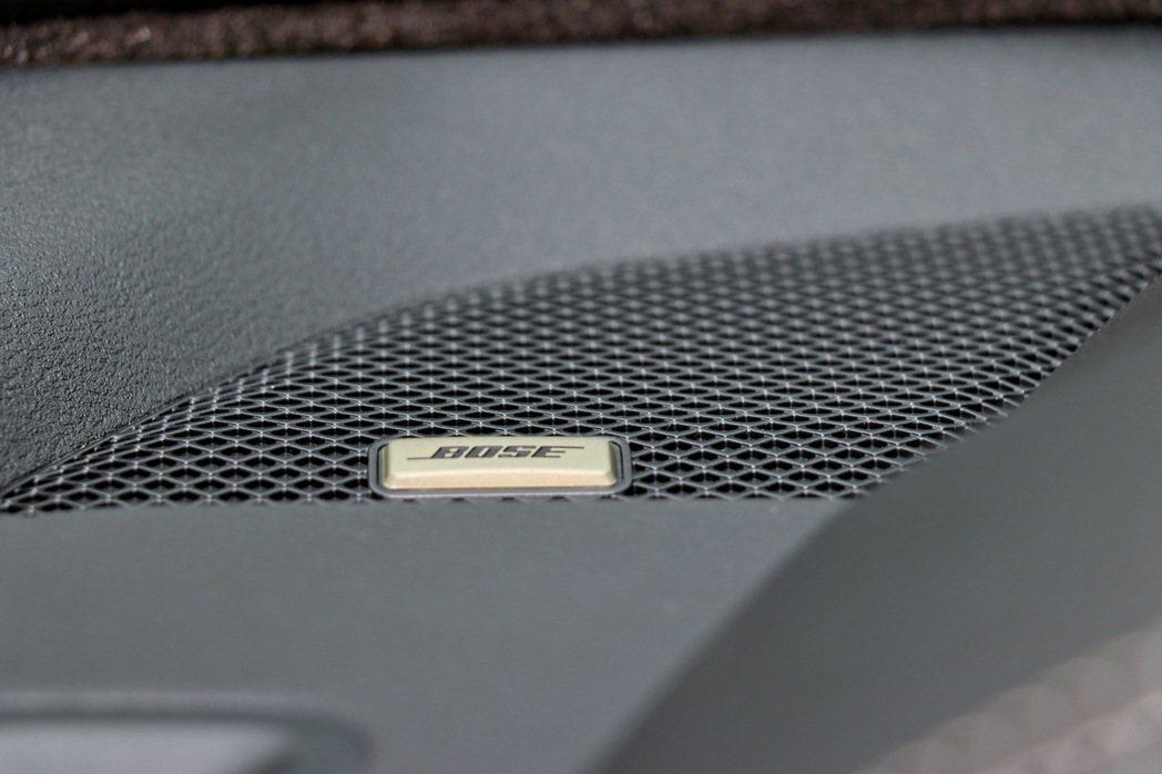 Bose Premium音響系統則透過9具揚聲器的配置,提供不輸豪華車的聽覺豐富...